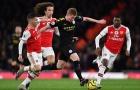 Một rừng cầu thủ Arsenal bủa vây cũng không thể ngăn cản De Bruyne