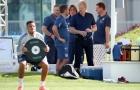 Vị khách đặc biệt bất ngờ 'đột kích' buổi tập của Bayern Munich