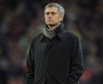 Góc Man Utd: Mourinho còn dám buông Europa League?