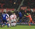 Góc HLV Phan Thanh Hùng: M.U, Liverpool bệnh 'nhà giàu'; Chelsea chớ khinh suất