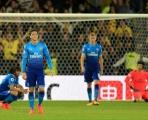 Đống hỗn loạn tại Arsenal: Thải độc đi, Wenger!