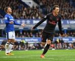 Arsenal đại thắng: 'Vấn đề' không nằm ở Ozil!