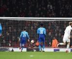 Thua muối mặt Ostersunds, Arsenal vẫn có tên ở vòng 16 đội Europa League