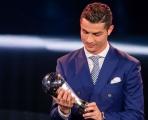 3 mối nguy hại khôn lường Ronaldo có thể gánh chịu vì tấm thẻ đỏ