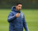 CĐV Arsenal: 'Ký gấp cậu ấy; Đóa hoa nở muộn'