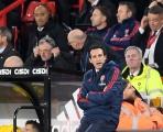 Arsenal chơi quá tệ và đây là thái độ của Emery