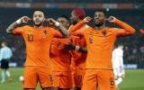 Người cũ M.U rực sáng, Hà Lan đại thắng ngày ra quân