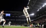 Choáng! 4 vạn CĐV Juve làm cùng 1 điều khi Ronaldo ghi bàn quyết định