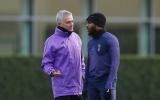 London rung chuyển, Mourinho cãi lộn sao Tottenham té tát trên sân tập