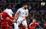 Thắng nhàn Luxembourg, Pháp nắm chắc ngôi đầu bảng