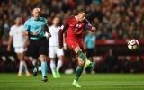 Thất vọng, sút phạt, ghi bàn, ăn mừng, Ronaldo là nhân vật chính trong show diễn tại Lisbon