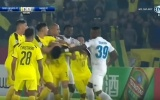 SỐC: Cầu thủ Hà Nội FC 'thi triển Võ-League' ở AFC Cup