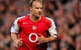 Những điều khoản hợp đồng lạ đời trong lịch sử: 'Bó tay' với Bergkamp
