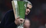 M.U vô địch, Mourinho là HLV đầu tiên làm được điều này