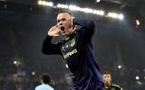 Walker lãnh thẻ đỏ, Man City 'hút chết' trước Everton