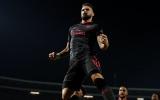 Giroud lập siêu phẩm, Arsenal thắng tối thiểu 10 người Sao Đỏ Belgrade