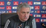 Mourinho 'hùng biện' 12 phút: Nghệ thuật trốn trách nhiệm