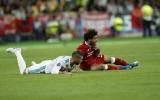 Salah rời sân trong nước mắt, Ramos bị CĐV chỉ trích nặng nề
