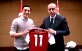 Sau tất cả, Mesut Ozil gửi tâm thư đáp trả chỉ trích