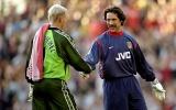 5 thủ môn xuất sắc nhất kỷ nguyên Premier League