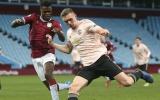 CHÍNH THỨC! Man Utd đẩy đi cầu thủ Mourinho dùng thay thế Pogba