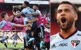 Chơi vị trí lạ, Dani Alves ghi bàn ngay trận ra mắt CLB mới