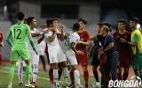 Văn Hậu 'cục súc', kẹp cổ khiến cầu thủ U22 Indonesia sợ xanh mặt