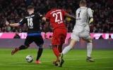 'Chơi dao có ngày đứt tay', Neuer tái hiện sai lầm kinh điển