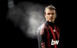 AC Milan đối đầu David Beckham vì 'phù thủy thành Manchester'