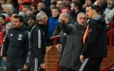 'Cậu ta giận dữ bước vào phòng thay đồ Man Utd, nhìn tôi và hét'