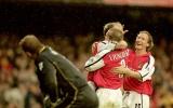 Đã từng có thời như thế, Bergkamp - Henry giúp Arsenal hủy diệt Man City 5-0