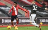 CHOÁNG! Đá trận đầu cho M.U, Van de Beek để lại hình ảnh gây sốc