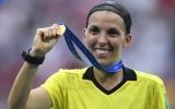 CHÍNH THỨC: Champions League có quyết định lịch sử ở vị trí trọng tài