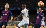 'Tống cổ cậu ta khỏi CLB' - Fan MU nổi đóa sau thất bại tan nát trước Barcelona
