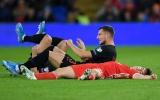 Sốc! Cầu thủ hay nhất Man Utd chấn thương đầu, nằm bất động trên sân đấu