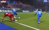 'Trung vệ hay nhất thế giới' lại tấu hài, Liverpool chưa thể sạch lưới ở Champions League