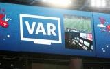 Góc nhìn: Giá trị của VAR và giá trị của bóng đá