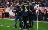 Thi đấu xa nhà, sao Arsenal bất ngờ được CĐV đối thủ 'hỏi thăm'