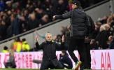 Mourinho quỳ gối bất lực; Cuộc đua vô địch Premier League kết thúc?