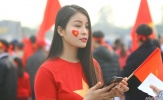 Fan nữ đọ sắc chờ đại chiến Việt Nam vs Malaysia