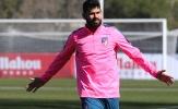 Diego Costa 'phơi phới' với hồng cánh sen
