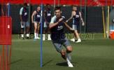 Vừa ra mắt, Lenglet đã lao vào tập luyện cùng Barca
