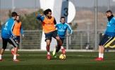 Marcelo thi triển tuyệt kỹ trước vòng vây các đồng đội