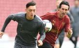 Có thật hay không mâu thuẫn giữa Ozil và Emery?