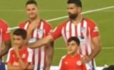 Tái xuất sau án phạt, Costa ngang nhiên 'gắp lửa bỏ tay đồng đội'