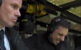 Gary Neville làm điều dữ dội ngay trước mặt Carragher khi Rashford ghi bàn