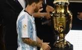 Argentina đã xử tệ với Messi, và giờ phải cầu xin anh ở lại
