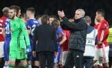 CĐV Chelsea chửi SỐC, Mourinho đáp trả