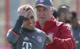 Ancelotti tận tình chăm sóc Lahm trên sân tập