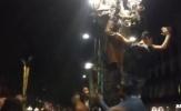 CĐV Barca náo loạn đường phố Madrid sau chiến thắng